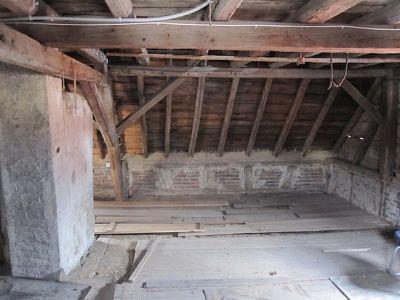 Umbau eines alten Dachstuhls mit Gaube und neuen Ziegeln VIII