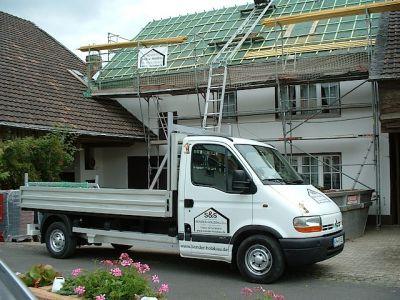 Umbau eines alten Dachstuhls mit Gaube und neuen Ziegeln V
