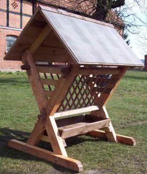 Futter-Raufe mit Dach für Pferde- oder Wildfütterung