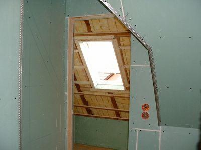 Innenausbau: Holzrahmenbau mit Isolierung und Rigips I